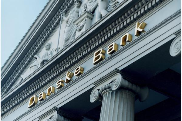 Danske Bank - Bygning + navn